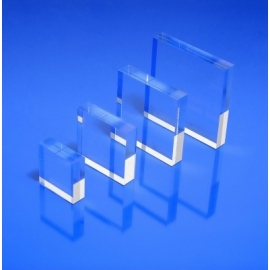 Socle plexiglas carré 30x30x10 mm