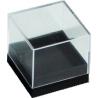 Boite transparente avec socle noir 26x26x26 mm