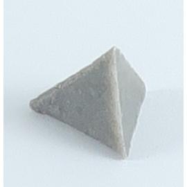 Pyramides en polyester pour le polissage des bijoux